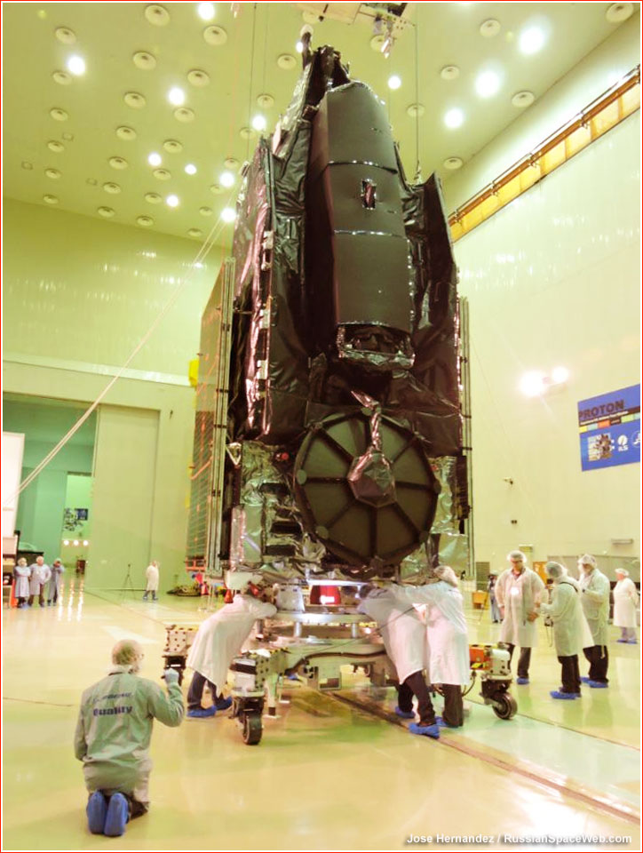 http://www.russianspaceweb.com/images/spacecraft/application/communications/mexsat1/assembly_1.jpg