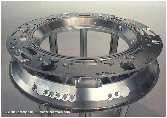 http://www.russianspaceweb.com/images/spacecraft/ppts/ptknp_docking_ring_B_1.jpg